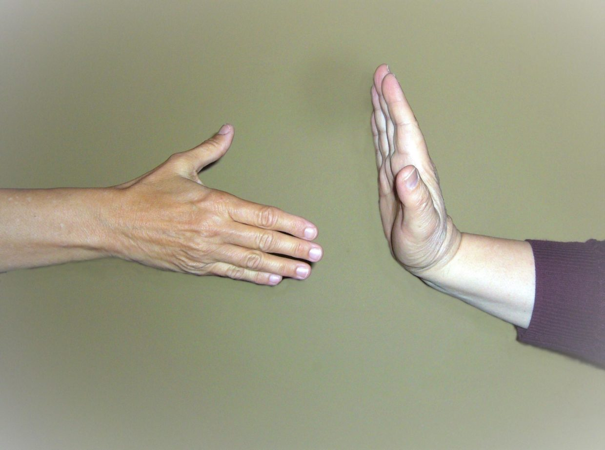 science-bytes:-why-haven't-humans-evolved-beyond-handshaking?