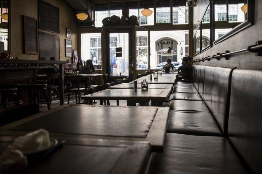 coronavirus:-restaurant-reservations-plunge,-but-fast-food-is-doing-fine