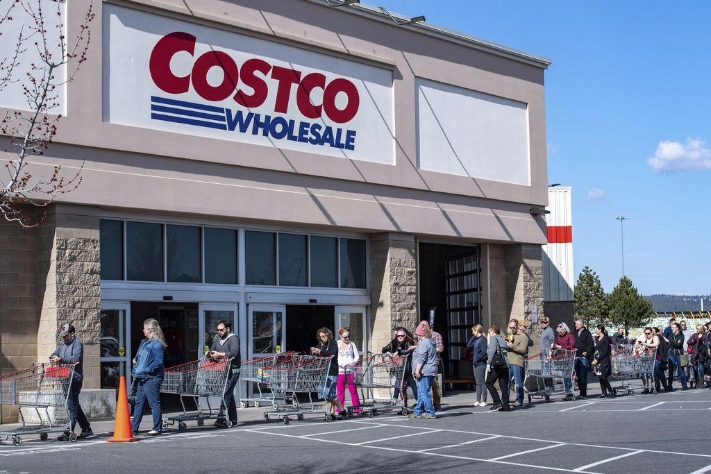 costco-adds-twice-weekly-senior-hour,-beginning-this-week,-to-help-meet-coronavirus-shopping-demands