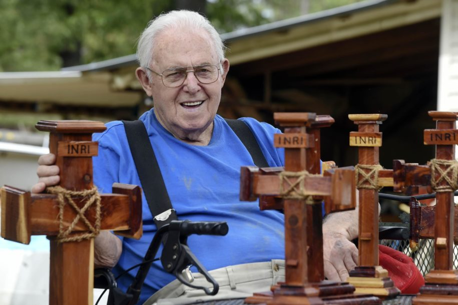 defuniak-man's-mission:-to-build-crosses-for-area-churches
