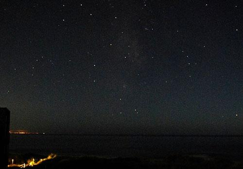 looking-up-column:-catching-stars-on-the-horizon