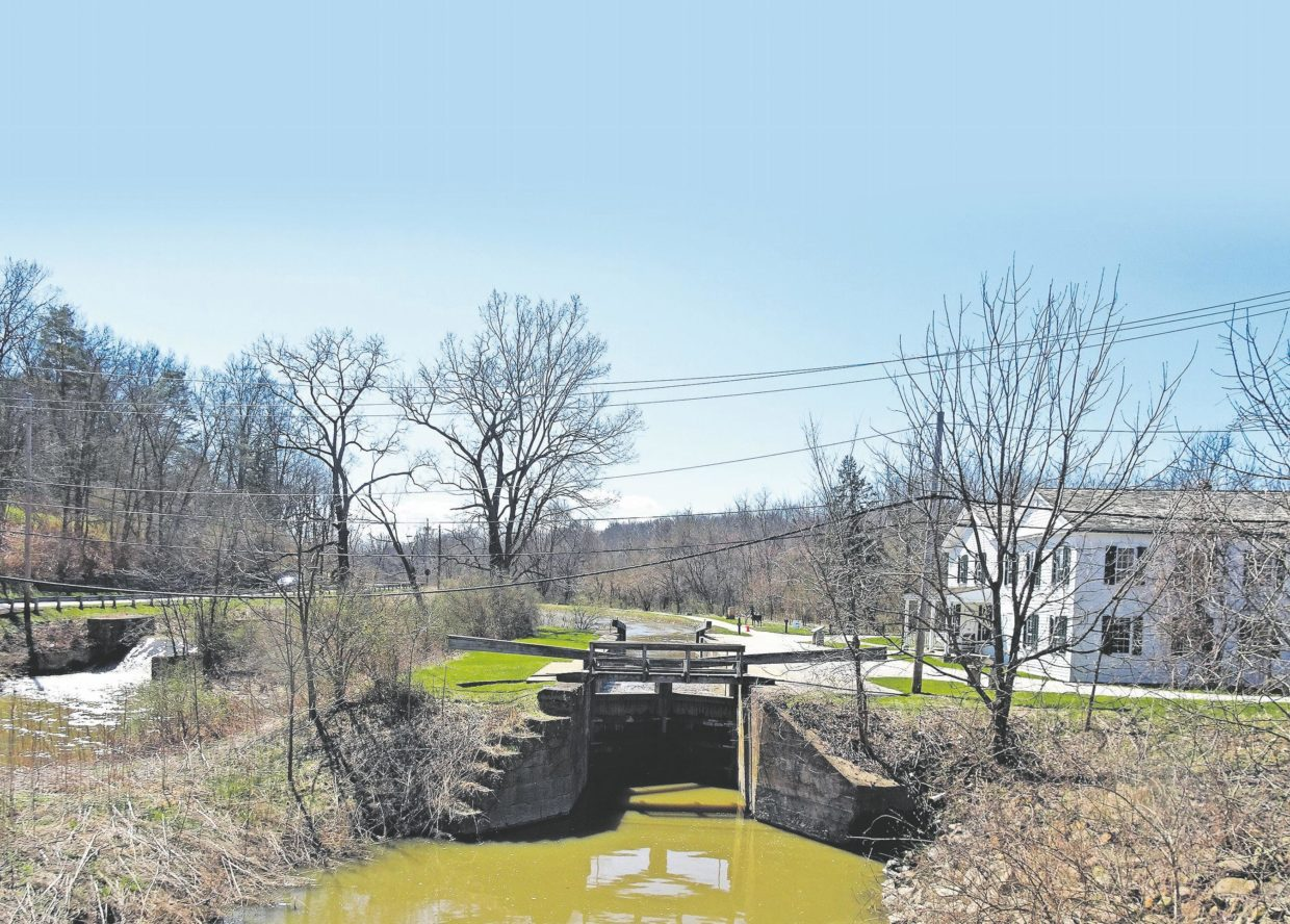 trail-through-time:-follow-the-ohio-erie-canal-through-the-state-and-through-history