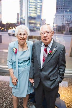 a-couple-of-73-years-died-within-hours-of-each-other;-both-tested-positive-for-coronavirus