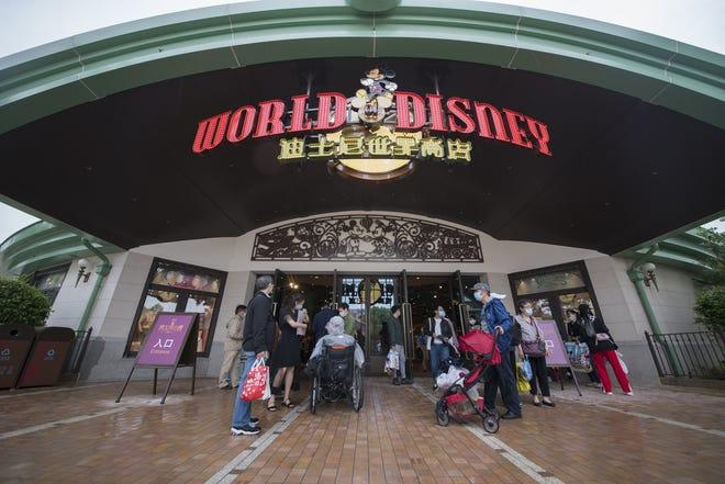 tickets-for-reopening-day-at-shanghai-disney-resort-sell-out;-video-shows-visitors-what-to-expect