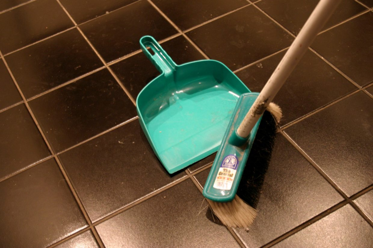 easy-and-effective-methods-for-cleaning-tile-floors