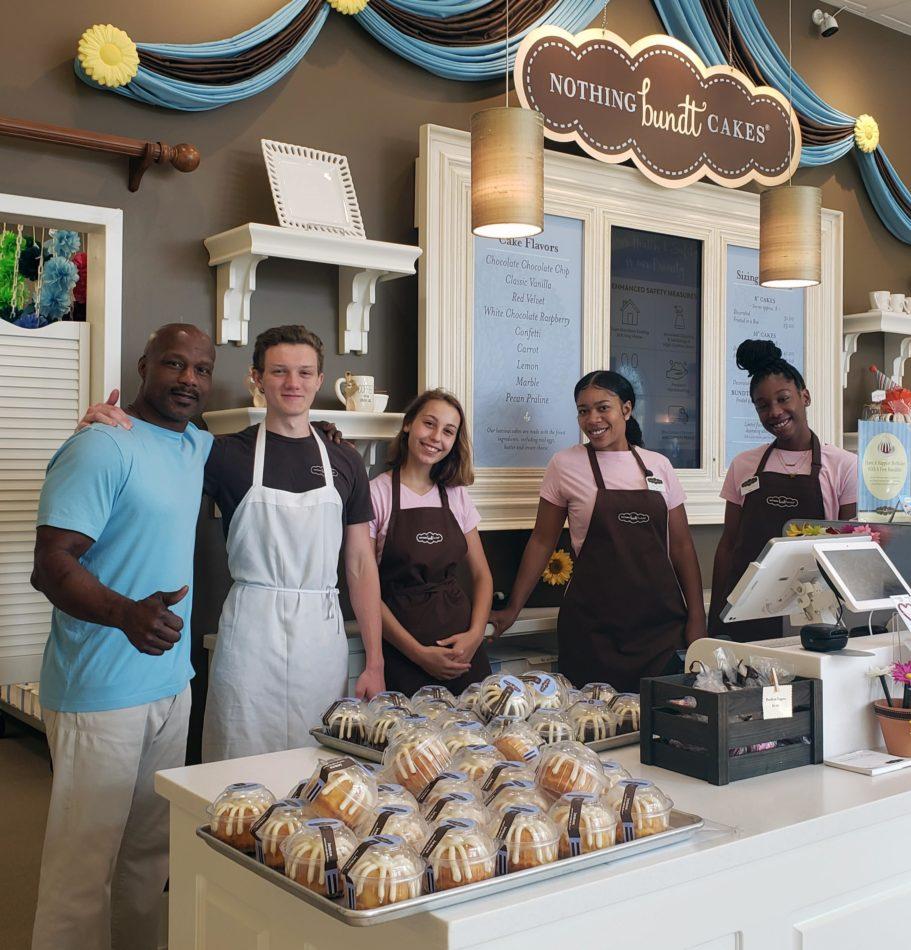 nothing-bundt-cakes-bakes-'bundtlets'-for-eccac-staff